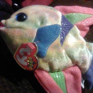 the Fish Ty Beanie Baby ARUBA